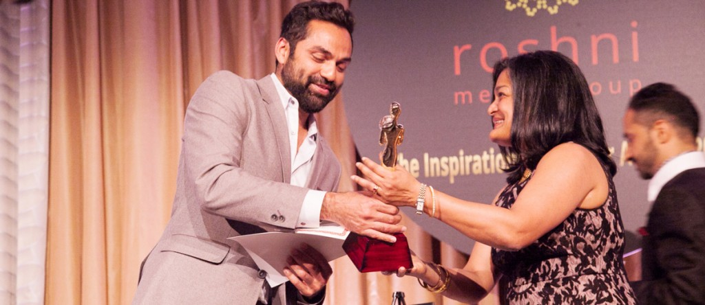 Bollywood-Actor-Abhay-Deol-receiving-Award-by-Senator-Pramila-Jayapal