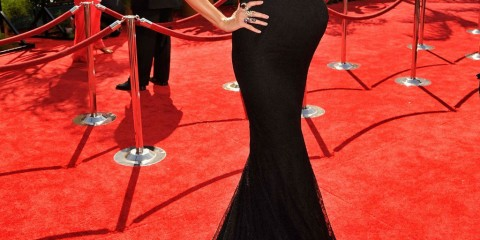 Photos-Pregnant-Heidi-Klum-Seal-Emmys-Red-Carpet-1024x1461