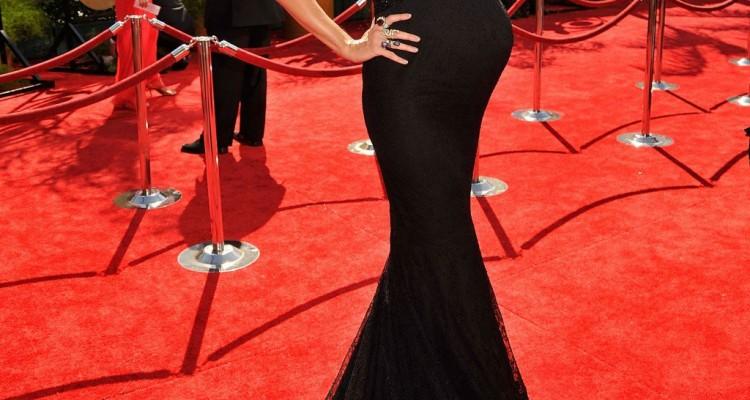 Photos-Pregnant-Heidi-Klum-Seal-Emmys-Red-Carpet-1024x1461