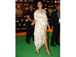 xworst-dressed-celebrities-iifa3-24-1466771407.jpg.pagespeed.ic.5Ui77qUDCa
