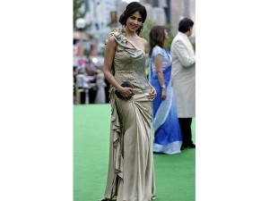 xworst-dressed-celebrities-iifa8-24-1466771441.jpg.pagespeed.ic.Z7Gsos5Cnw