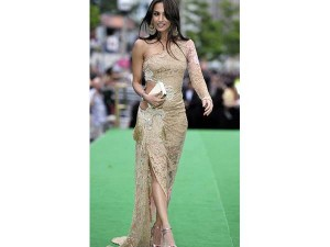 xworst-dressed-celebrities-iifa9-24-1466771448.jpg.pagespeed.ic.lQMcmz92uO