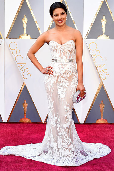 priyanka-chopra-made-india-proud-when-she-dazzled-at-oscars-2016-201607-755854