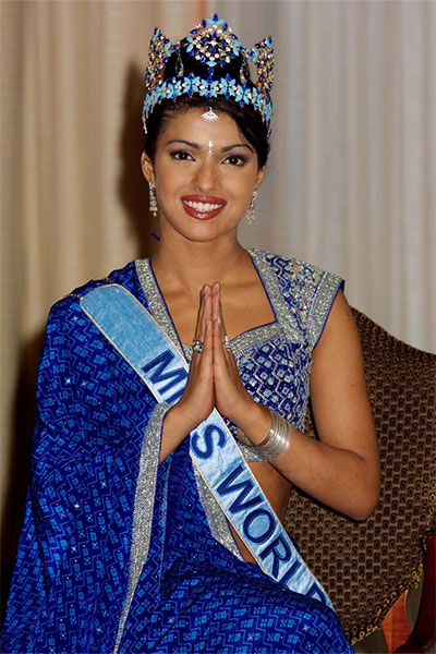 priyanka-chopra-made-india-proud-when-she-when-miss-world-crown-in-2000-201607-755848