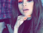 selena-gomez-red-eye-make-up-ftr