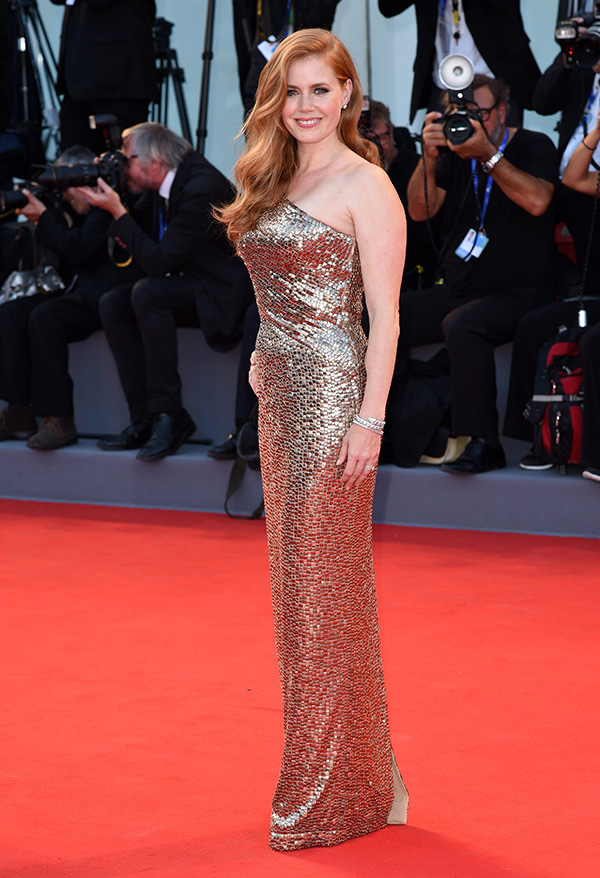 amy-adams-gold-dress