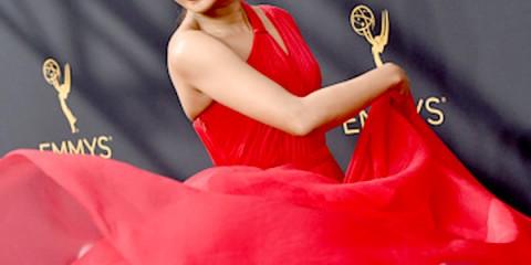 priyanka-chopra-rocked-the-red-carpet-during-the-68th-emmy-awards-201609-798104