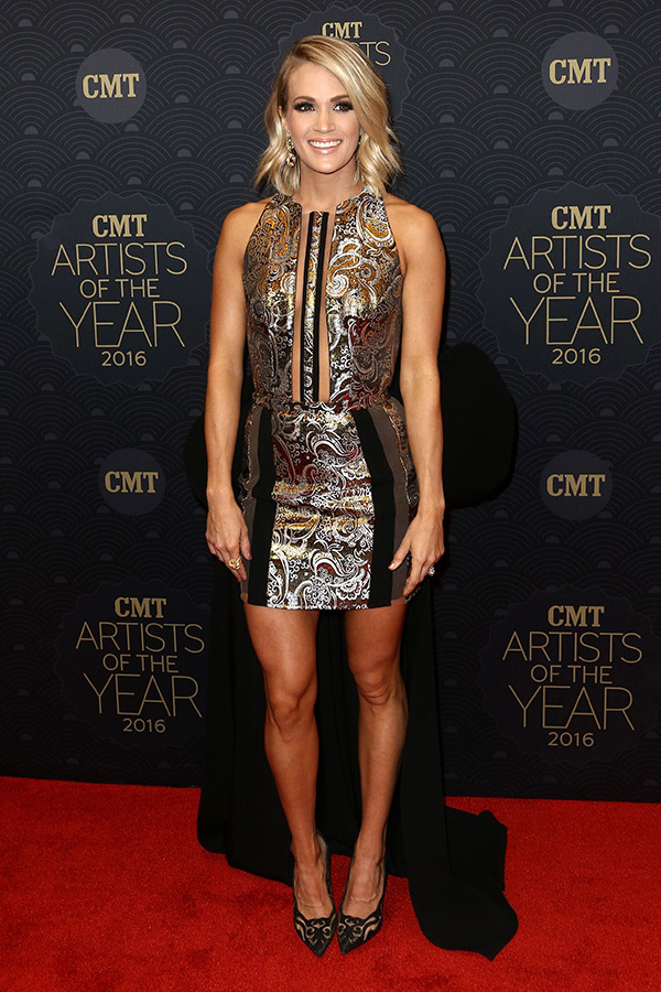 carrie-underwood-cmt-awards-2016