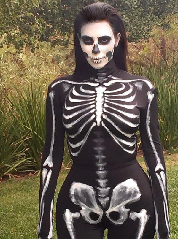 kim-kardashian-skeleton-halloween-ftr