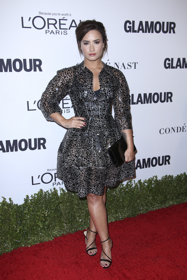 demi-lovato-glamour-woman-of-the-year-red-carpet
