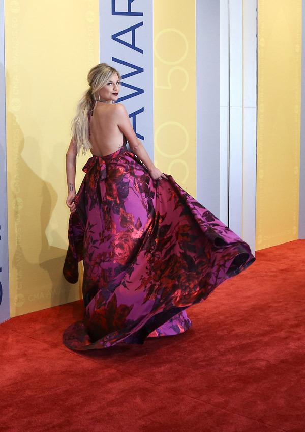 kelsea-ballerini-back-view-cma-awards-2016