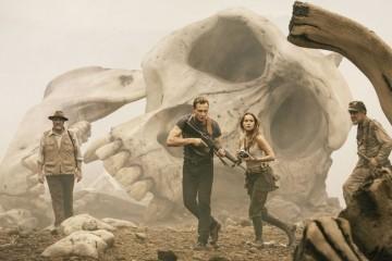 kong-_skull_island_-_tom_hiddleston_-_still_-_h_-_2016