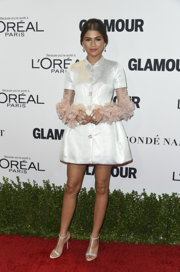 zendaya-glamour-woman-of-the-year-red-carpet