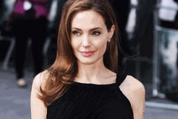 Angelina Jolie enjoys private Buckingham
