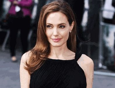 Angelina Jolie enjoys private Buckingham