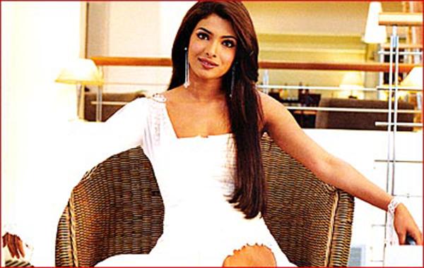 Priyanka-Chopra-Style-Evolution-13