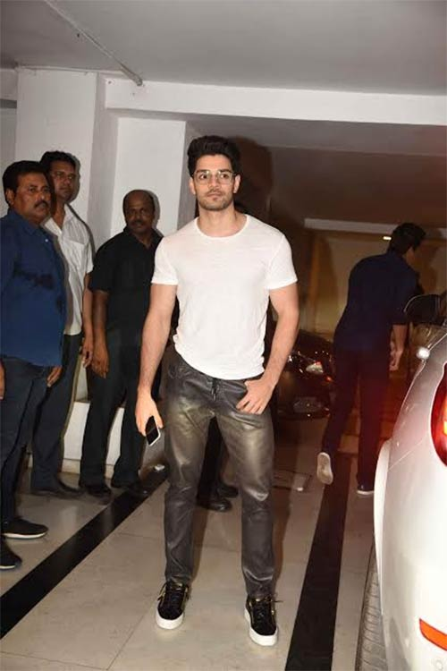 Sooraj-Pancholi-at-Karan-Johars-birthday-bash