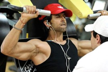 Hrithik-Roshan-Workout-in-Gym