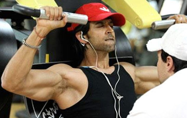 Hrithik-Roshan-Workout-in-Gym
