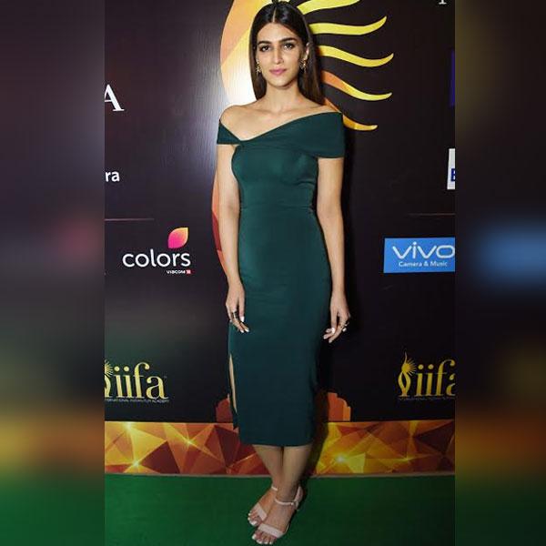 Kriti-Sanon-in-a-Rutu-Neeva-green-dress-for-IIFA-2017-press-conference-5