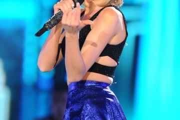 Mandatory Credit: Photo by REX/Shutterstock (4775359bw) Taylor Swift Rock in Rio USA, Las Vegas, America - 15 May 2015