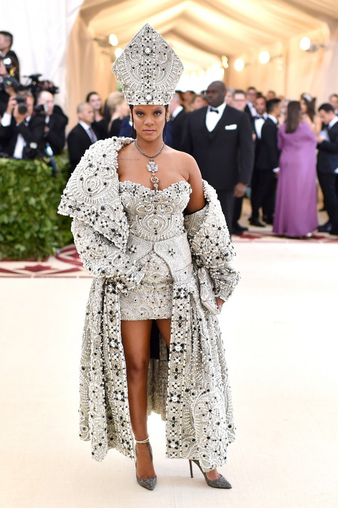 Mandatory Credit: Photo by Stephen Lovekin/Variety/REX/Shutterstock (9662976bc) Rihanna The Metropolitan Museum of Art's Costume Institute Benefit celebrating the opening of Heavenly Bodies: Fashion and the Catholic Imagination, Arrivals, New York, USA - 07 May 2018