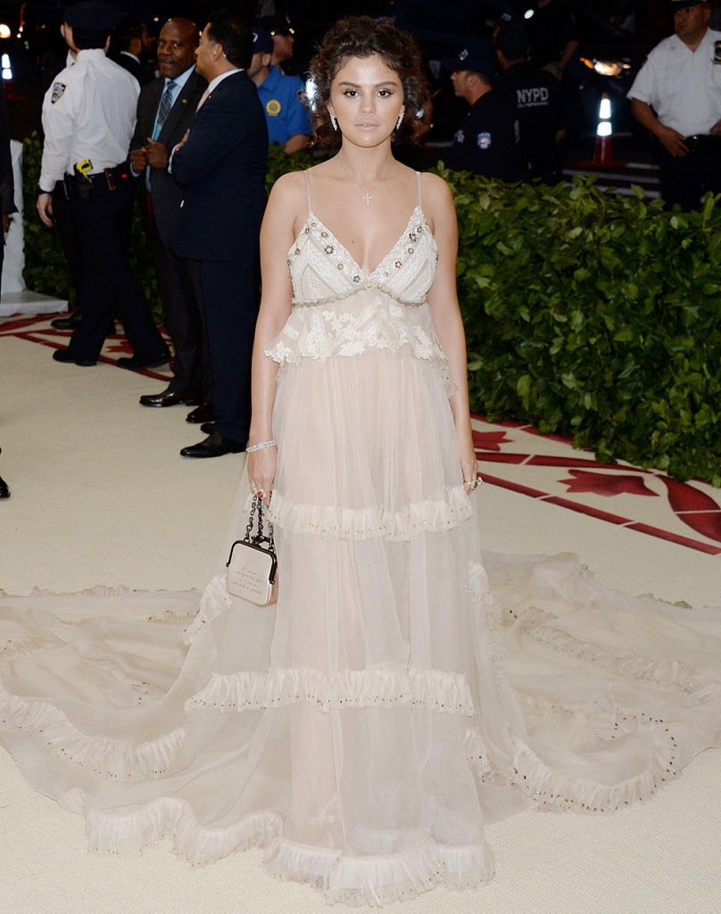 Mandatory Credit: Photo by Broadimage/REX/Shutterstock (9665082ec) Selena Gomez The Metropolitan Museum of Art's Costume Institute Benefit celebrating the opening of Heavenly Bodies: Fashion and the Catholic Imagination, Arrivals, New York, USA - 07 May 2018 2018 Costume Institute Benefit: Celebrating the opening of Heavenly Bodies: Fashion and the Catholic Imagination - Arrivals