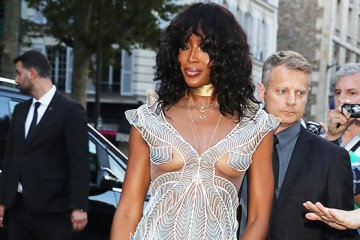 naomi-campbell-looks-ageless-at-49-flashes-sexy-under-boob-in-breathtaking-sheer-dress-ftr-1