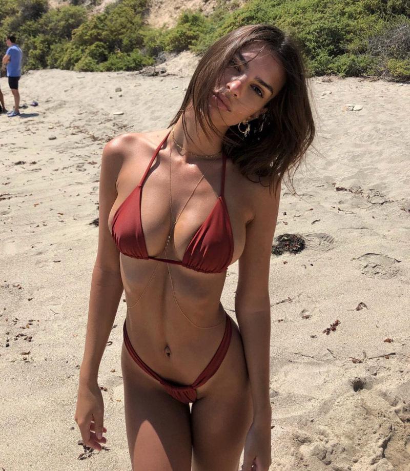 410924d582b Emily Ratajkowski's Nipple Pops Out Of Tiniest String Bikini Ever As ...