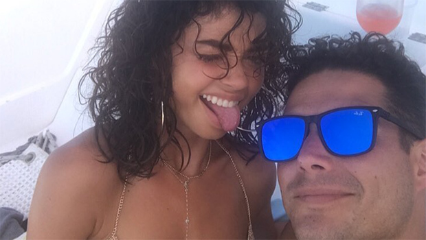 sarah-hyland-wells-adam-reveal-vacation-nightmare-after-theyre-flown-to-the-wrong-island-ftr