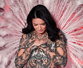 Mandatory Credit: Photo by David Fisher/REX/Shutterstock (9970342ab) Adriana Lima on the catwalk Victoria's Secret Fashion Show, Runway, New York, USA - 08 Nov 2018