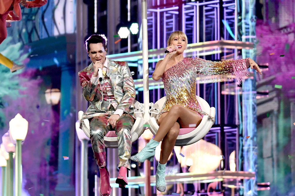 Mandatory Credit: Photo by Rob Latour/REX/Shutterstock (10222625e) Brendon Urie and Taylor Swift Billboard Music Awards, Show, MGM Grand Garden Arena, Las Vegas, USA - 01 May 2019