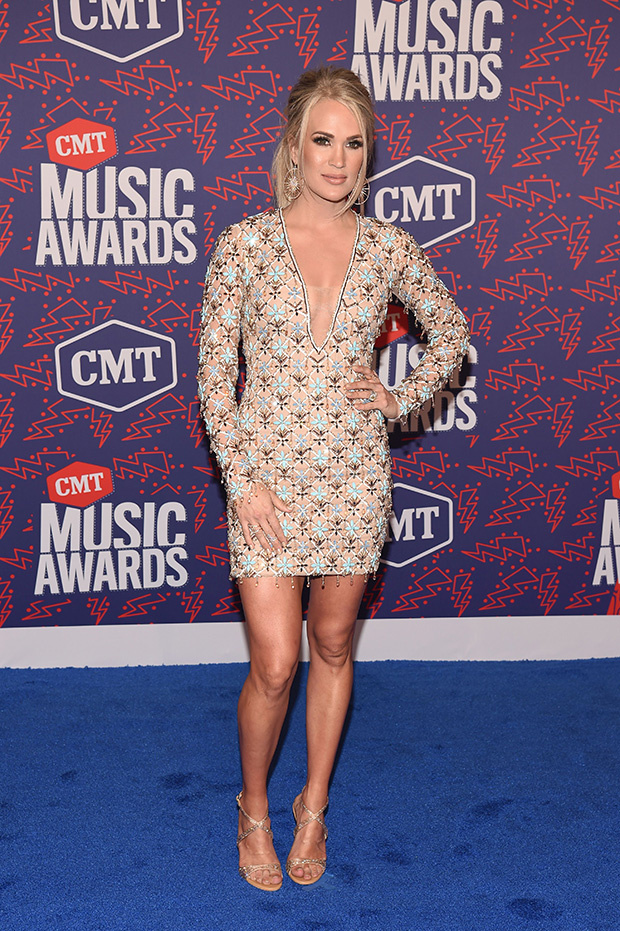 carrie-underwood-cmts-embed